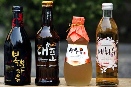 左から覆盆子酒、ミンドゥルレデポ、サンサチュン、梅酒