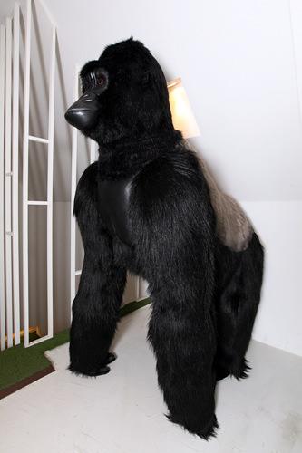 BIG BANGのT.O.Pが 購入したゴリラのぬいぐるみ 1,300,000ウォン