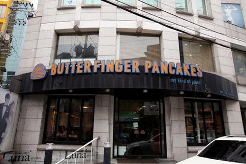 食事系メニューもある「BUTTER FINGER PANCAKES 清潭本店」