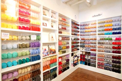 毛糸やリネン糸はフランス、イタリア、イギリス、日本などから輸入