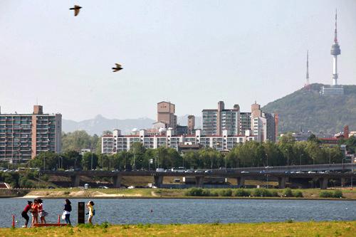シウォンとテヨンが一緒に走るシーンは盤浦大橋(パンポテギョ)付近の「盤浦漢江公園」で撮影