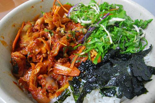 ナッチトッパッ(タコ炒めのせご飯)