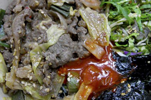 ソコギトッパッ(牛肉炒めのせご飯)