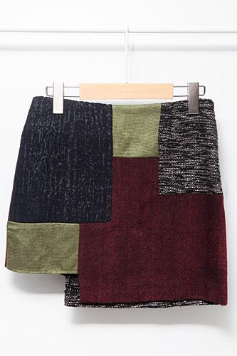 秋色のパッチワークがおしゃれなミニスカート108,000ウォン