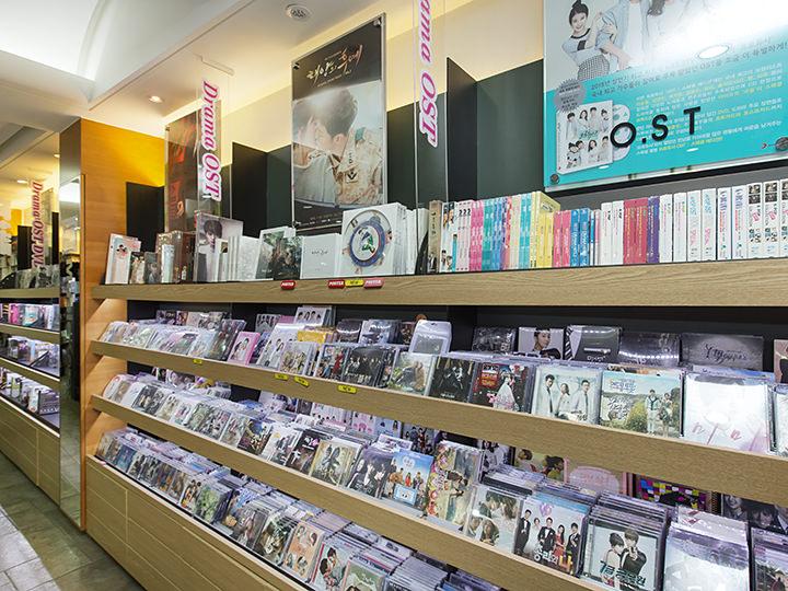 韓国ドラマのOSTやDVDも豊富な在庫