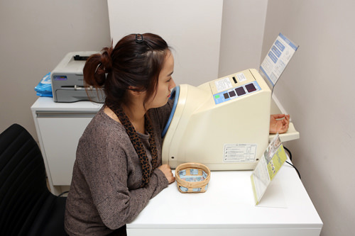 3.機械検査検査室で身長や体重、体脂肪、血圧測定など体の状態を検査します。