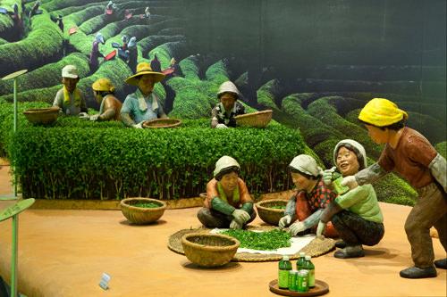 6、韓国茶博物館(全羅南道宝城郡)緑茶の名産地・宝城(ポソン)の茶畑脇にあり、お茶文化関連資料を展示。