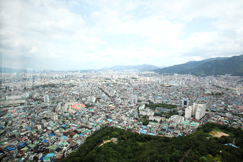 大邱(写真)をはじめ、浦項(ポハン)や蔚山(ウルサン)など慶尚道が発展