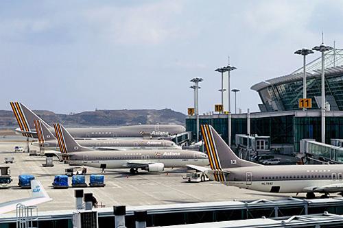 金大中元大統領は外国訪問の際、全羅道に拠点を置く錦湖財閥のアシアナ航空を使用した