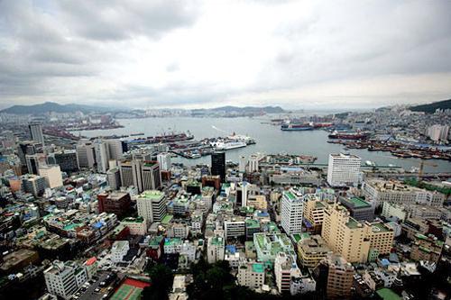 広域市は釜山(写真)、大田(テジョン)、大邱など計5つ