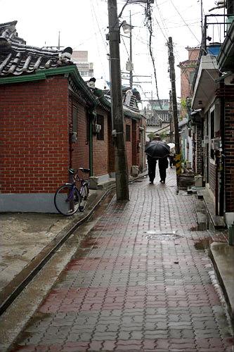 初めてのソウル訪問時に訪れた西村