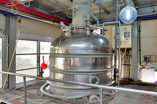 3.減圧蒸留機で焼酎を蒸留