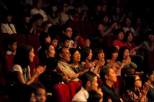 日韓で観客の反応に違い