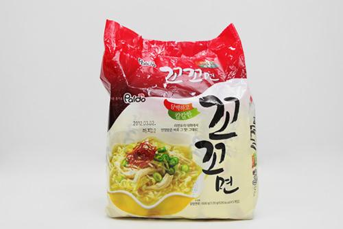 コッコ麺(パルド) 1,000ウォン520kcal(写真は5袋入り)