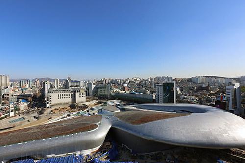 2014年完成予定の東大門デザインプラザ