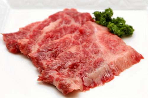 ほどよい脂身がのった牛バラ肉(チマサル)