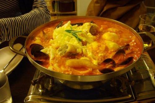 チョンゴルトッポッキ楽味ムール貝もたくさん入って、いいダシが出てますshiyu さん