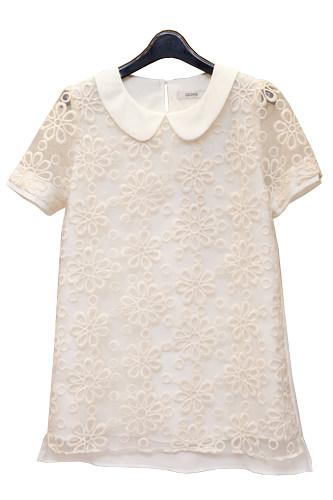 さりげない花の刺繍がキュートブラウス 49,900ウォン