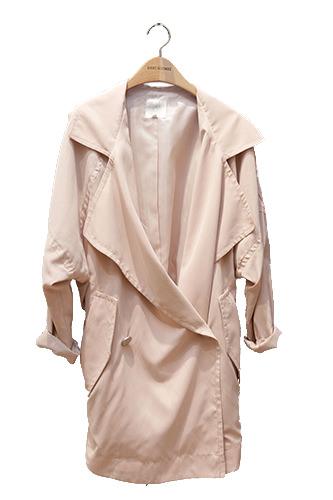 淡いピンクが上品コート 99,900ウォン