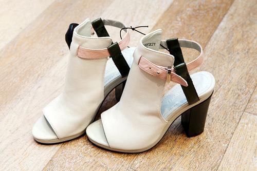 足元からおしゃれに 靴 99,900ウォン
