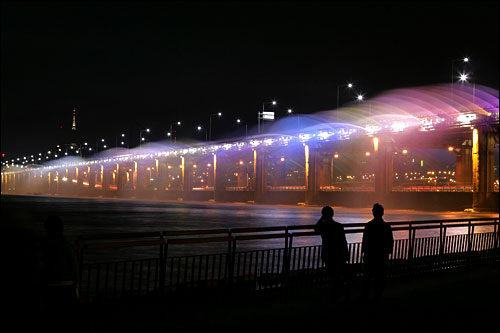 盤浦大橋のみどころ、噴水ショー