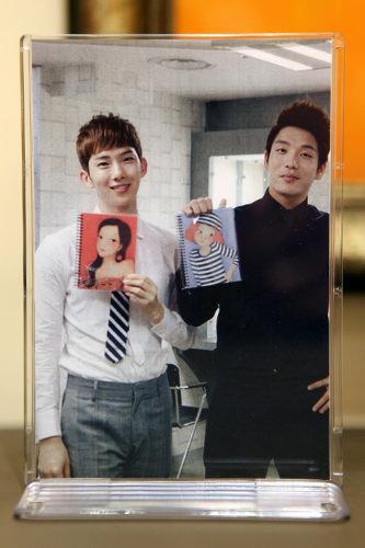 2AMのメンバーチョ・グォンとイ・チャンミンも「YOUK SHIM WON」のファン