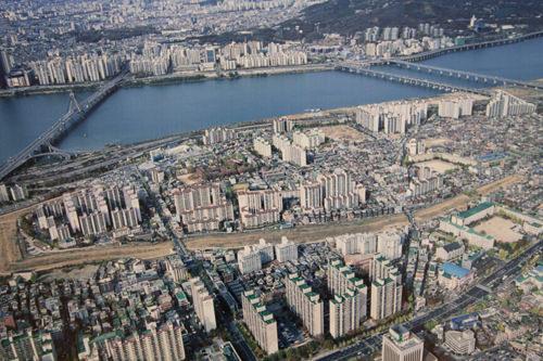 風納土城周辺の空撮写真(漢城百済博物館内資料)