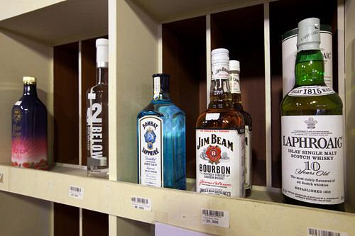 「JIM BEAM」など洋酒の品数も豊富