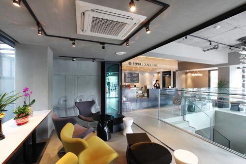 カフェカウンター(1階)
