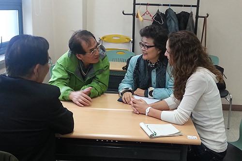 老人福祉館でのボランティア活動の様子 (梨泰院グローバルビレッジ提供)