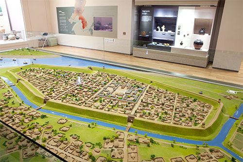 漢城時代の風納土城の模型