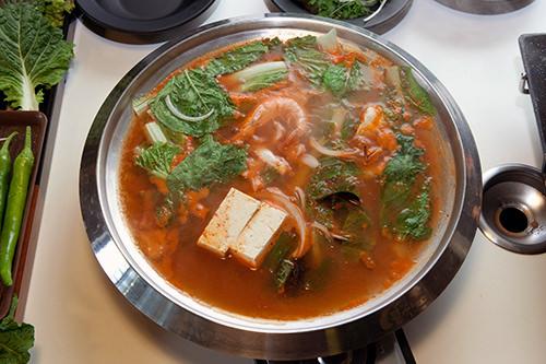 海鮮鍋は5,000ウォンでおわかり可能