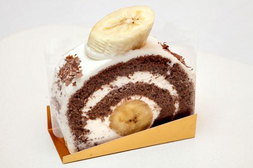 クルクルチョコバナナ 3,800ウォンソフトなチョコスポンジで甘いバナナを巻いた一品