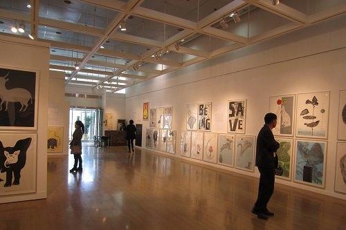 展示会等の地方巡回も(写真は光州で開催されたポスター展)