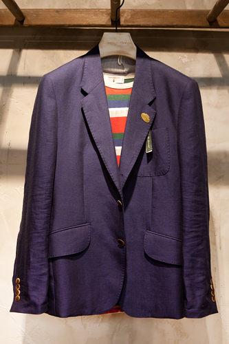 ジャケット 398,000ウォンボーダーシャツ 78,000ウォン