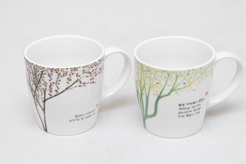 マグカップセット(4個) 54,000ウォン四季をテーマにした絵が描かれたマグカップ。4個1セットでの販売になります。