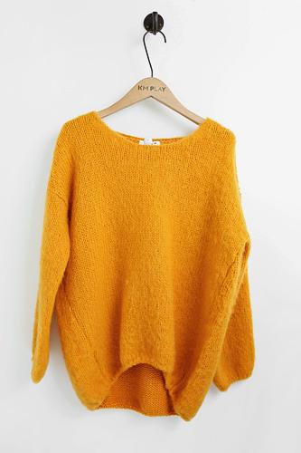 寒さに負けないビタミンカラーセーター 77,000ウォン