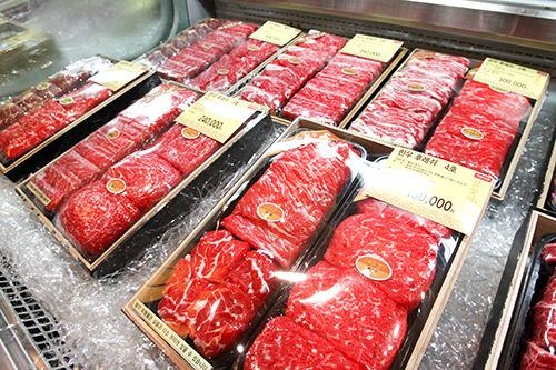 カルビ100,000~300,000ウォン/3~6kg感謝の気持ちを肉に込めて・・・豪華に国産カルビセットが贈られます。
