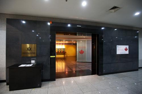 所蔵品展示のほか、特別展も開催される博物館
