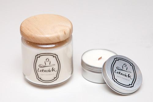 Lebwick 天然大豆ワックスアロマキャンドル(左)40,000ウォン/500ml(右)16,000ウォン/80ml韓国ブランドの手作りキャンドル。人体に有害な物質を含まず、香りも長時間持続します。