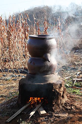 伝統的な蒸留法