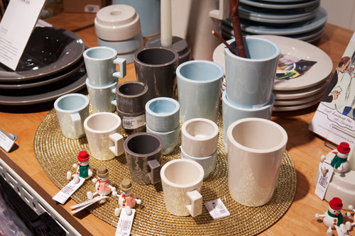 厚みがありシンプルなデザインが特徴の食器類(PIET HEIN EEK・オランダ)20,000~30,000ウォン