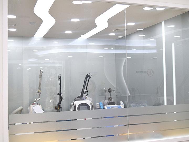 レーザー室