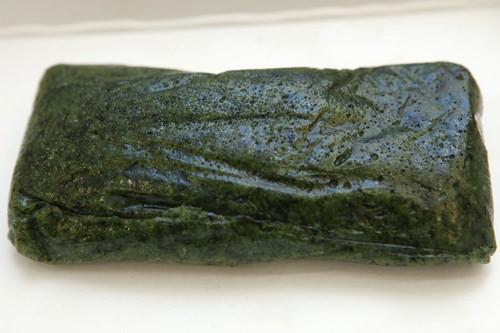 よもぎの程よい苦みがおいしい よもぎ杵付き餅(スットッ) 1,000ウォン