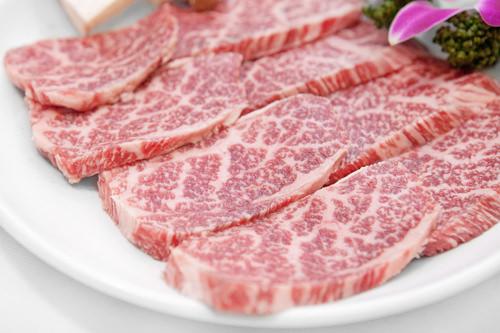 色つやがよく、一目で品質の良さが分かる肉