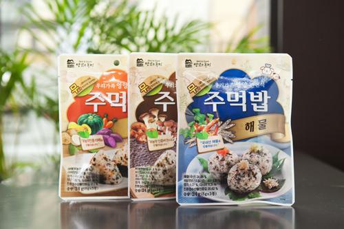 無農薬野菜や韓国産魚介類で作られたふりかけ 各2,200ウォン