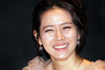「ソゲティンしてみたい芸能人(2013年・結婚情報会社「ドゥオ」調査)」1位に輝いた女優ソン・イェジン
