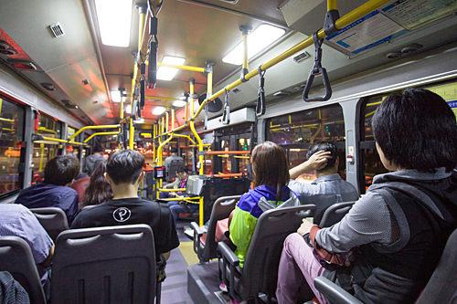 平日の深夜バス
