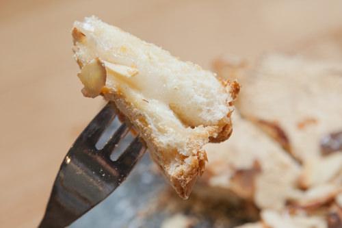 トーストの間のチーズのような餅