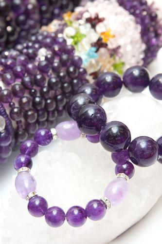 天然の紫水晶(アメジスト)